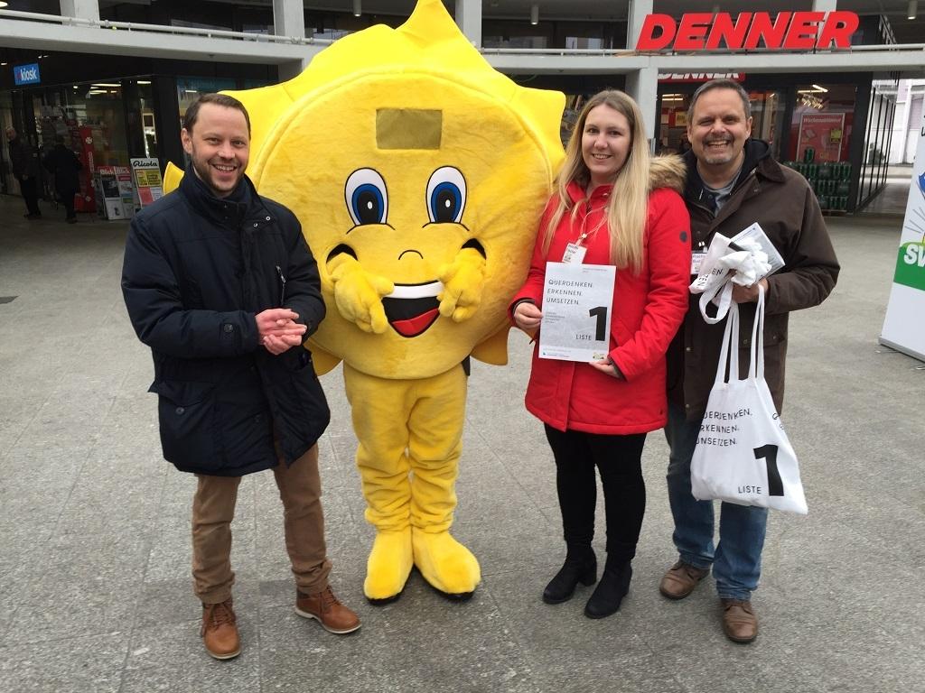 Wahlaktivität im Zentrum von Urdorf